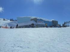Peak to Peak, Gondel, die von einer Bergspitze zur anderen Bergspitze fuehrt. 4,4km lang